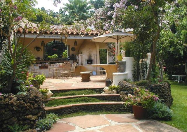 15 Outdoor Kitchens | Visual Remodeling Blog | Fixr