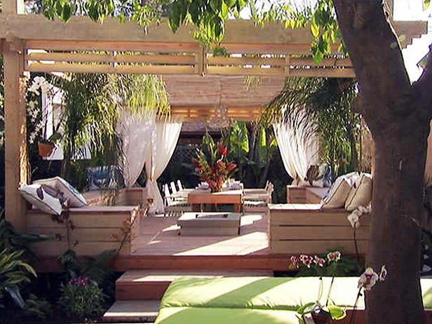 Spotlight on jamie durie cool landscape designer for Jamie durie garden designs